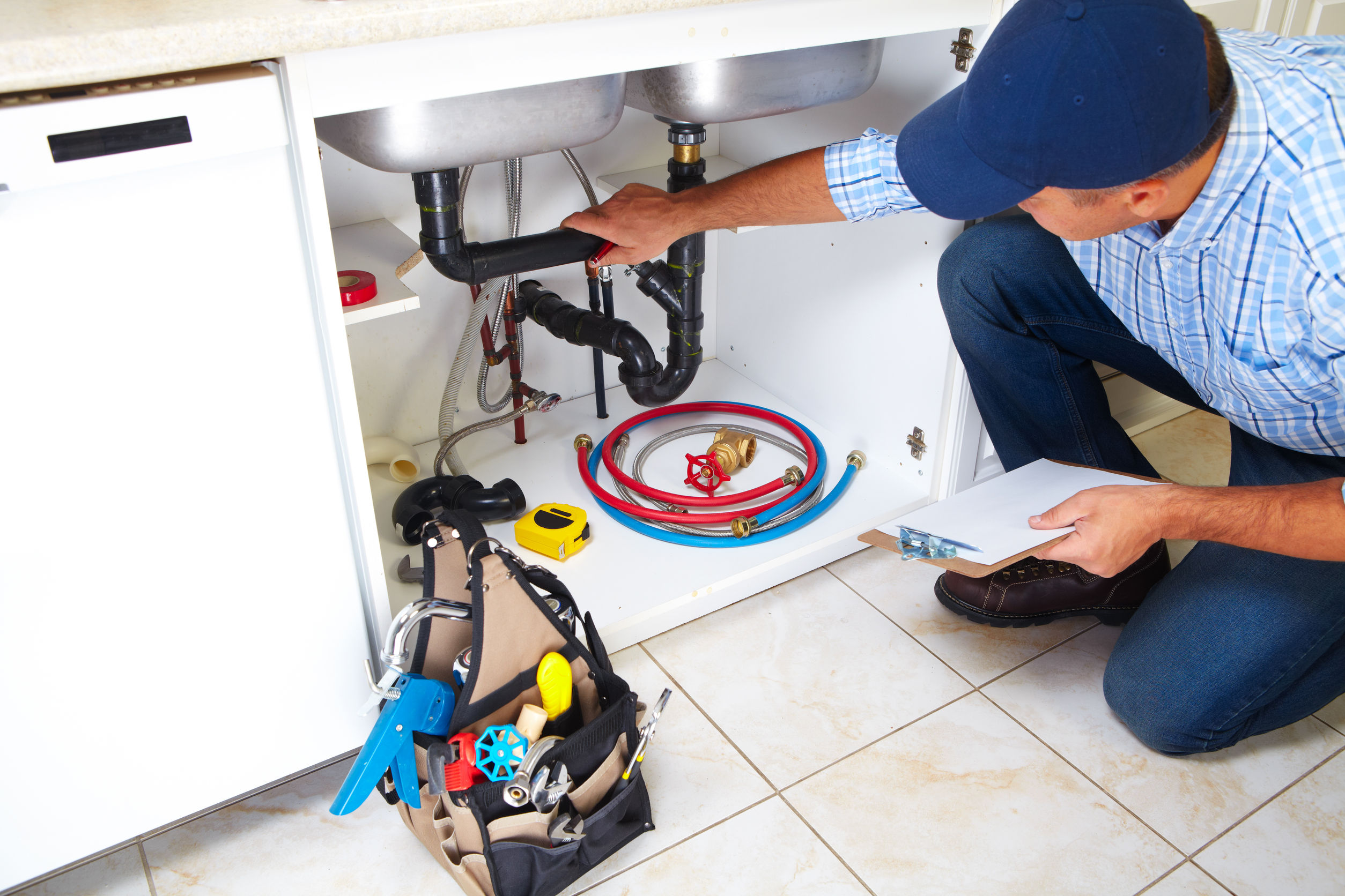 Become a Plumber For a Better Career